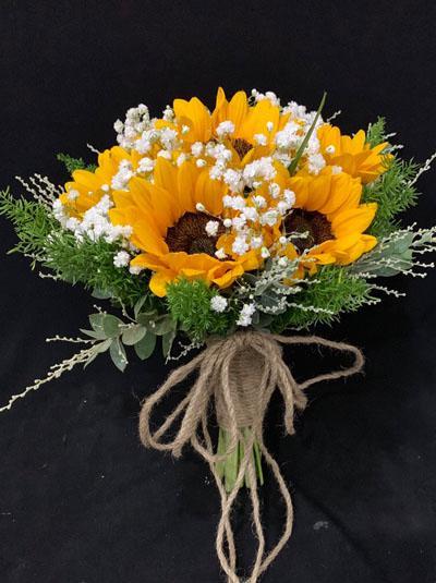 hoa cầm tay cô dâu bằng hoa hướng dương giá rẻ
