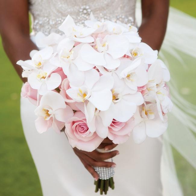 hoa cầm tay cô dâu bằng hoa lan đẹp