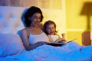 5 câu hỏi các bậc cha mẹ nên hỏi con trước khi đi ngủ